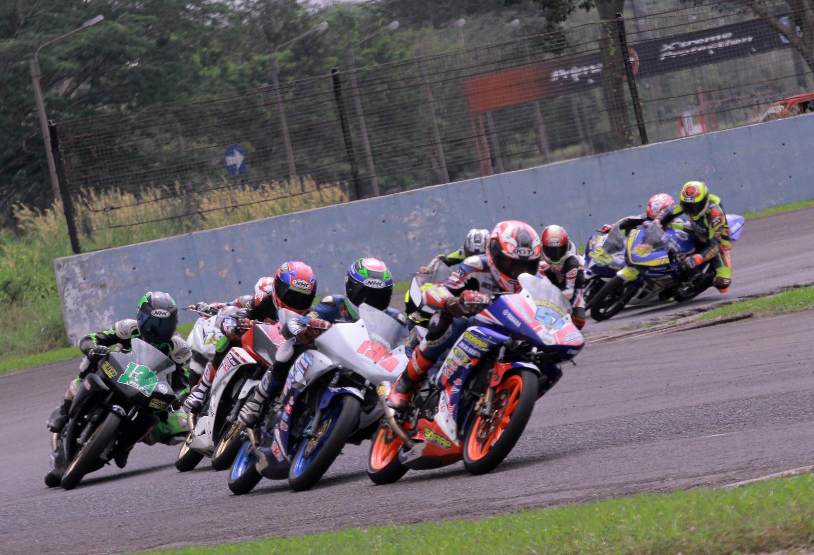 KEJURNAS 150 CC. Klasemen teratas sampai dengan 3 besar dipegang rider-rider tim Yamaha