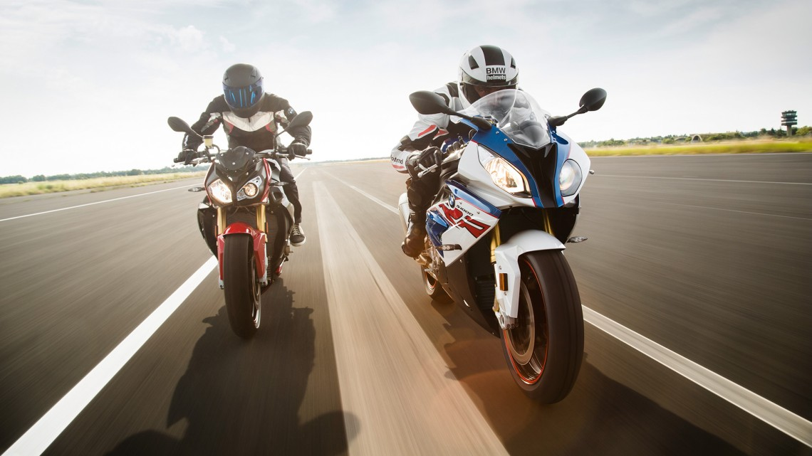 s1000rr_productpage_lightboxbig_1920x1080_01