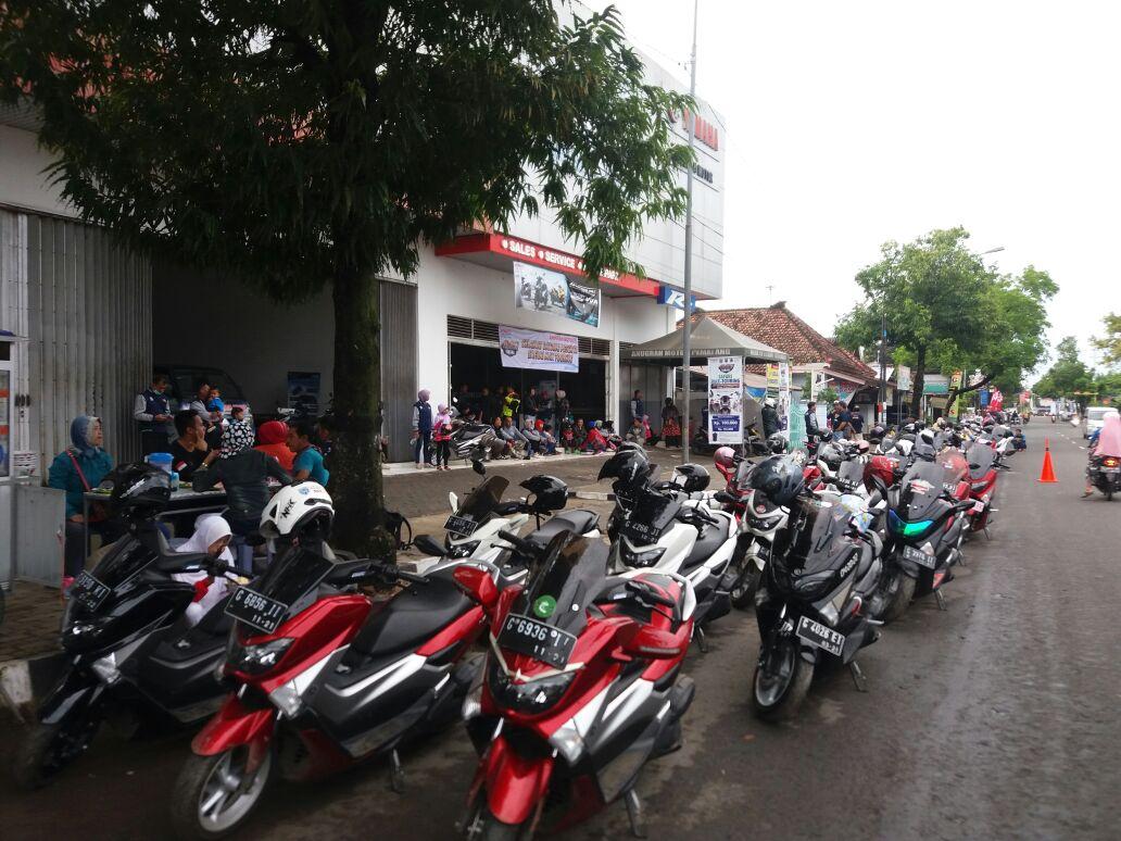 MAXI Touring pada event MAXIYAMAHADAY di Batang Jawa Tengah