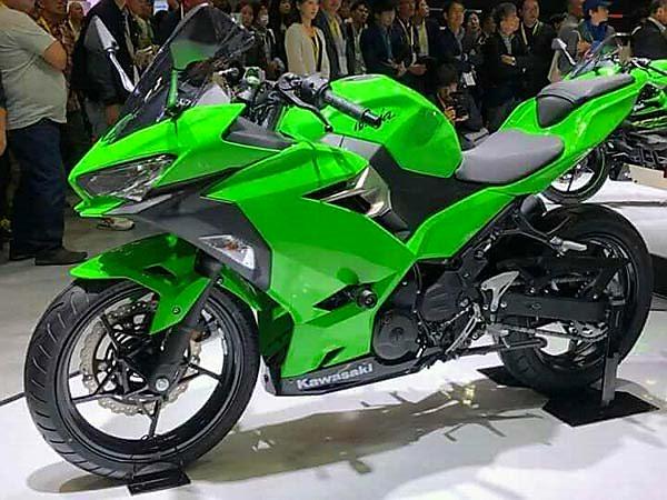 25-1508917870-new-kawasaki-ninja-250-revealed-tokyo-motor-show-1