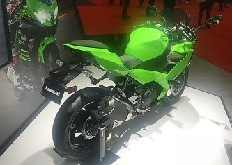 Kawasaki-Ninja-250-3