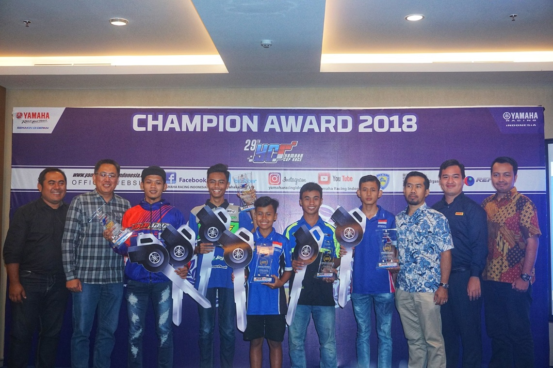 Penganugerahan Juara Yamaha Cup Race 2018 dan Tim Konstruktor Terbaik