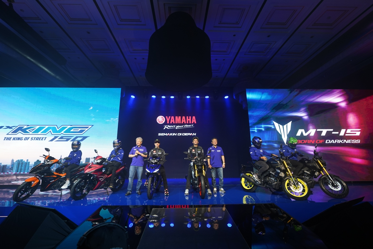 ROSSI & VINALES LUNCURKAN YAMAHA MT-15 & NEW MX-KING