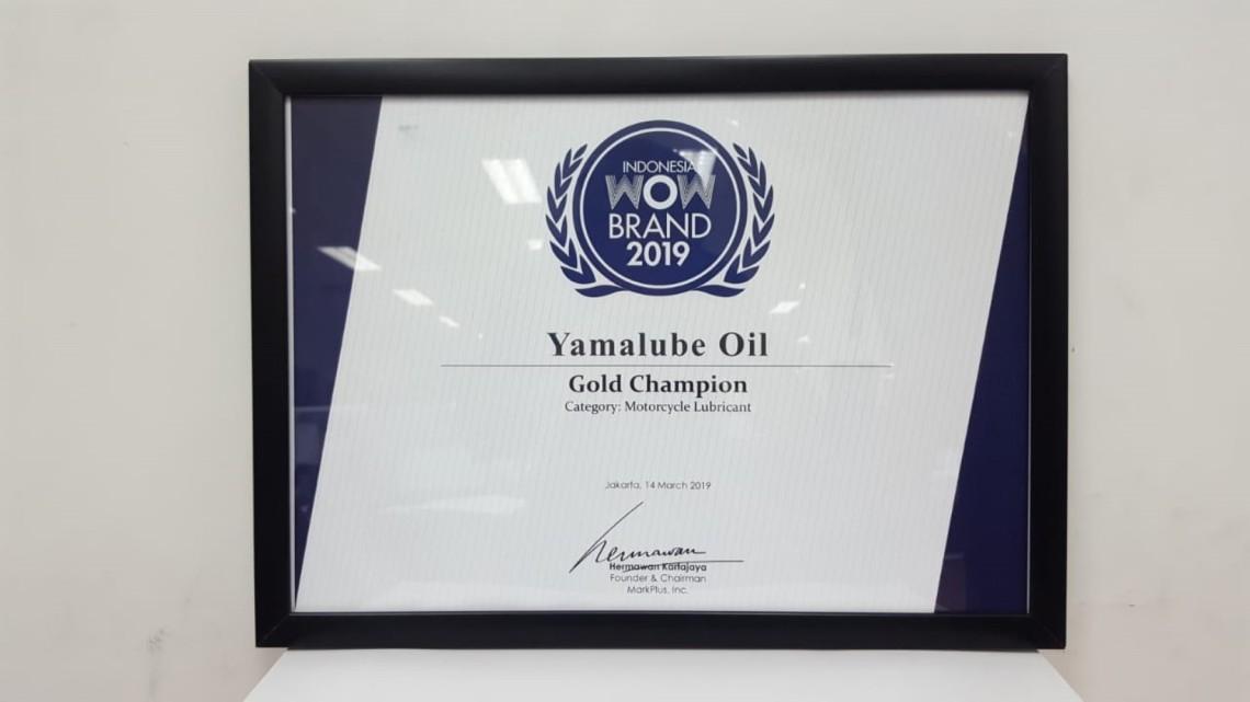 Yamalube Oil meraih predikat Gold pada kategori Motorcycle Lubricant pada penghargaan WOW Brand 300