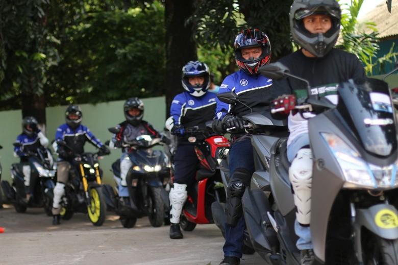 Sesi praktik Yamaha Riding Academy (YRA) (2)