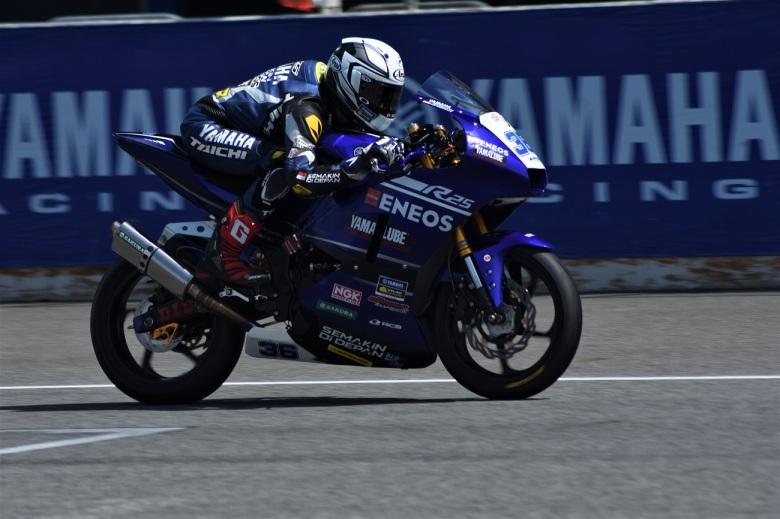 M faerozi, Action Race 1 AP250