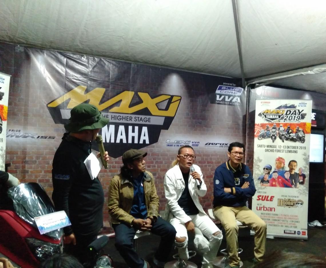 Sule saat tampil di MAXI Yamaha Day di Orchid Forest Lembang Bandung (12)