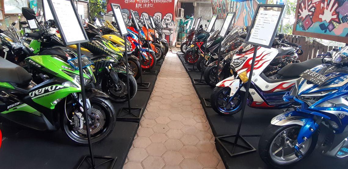 CustoMAXI x YAMAHA Heritage Built Jabodetabek di Bekasi (4)